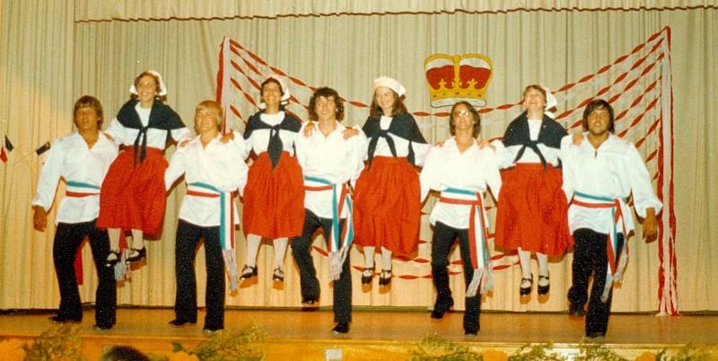 danseurs-evangeline-1977-Costumes